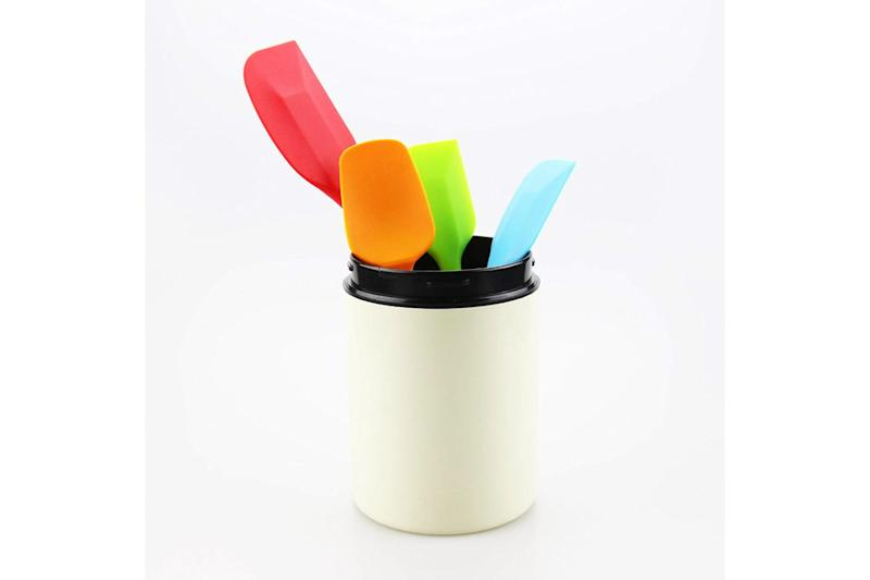 xi-home-silicone-spatula-set-in utensil holder