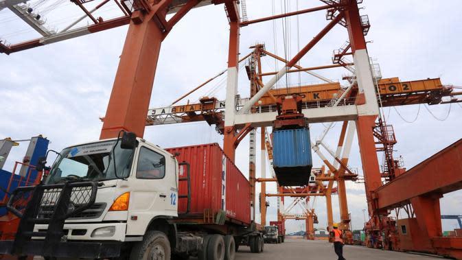 Data manifest kargo yang akurat dari barang yang dikirim melalui peti kemas, maupun non-peti kemas (general cargo) sangat penting untuk mengembangkan sistem logistik nasional.