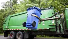 美國男童玩捉迷藏躲垃圾桶 遭扔清潔車險成「肉餡」