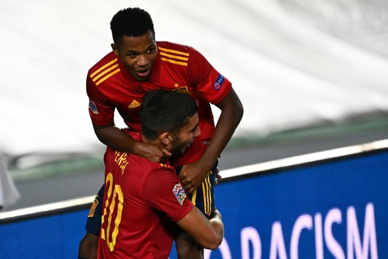 Fati arrives on international stage as Spain take control