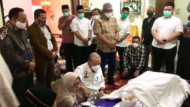 Ibunda Ketua DPD RI Meninggal, Sejumlah Tokoh Hadir Melayat