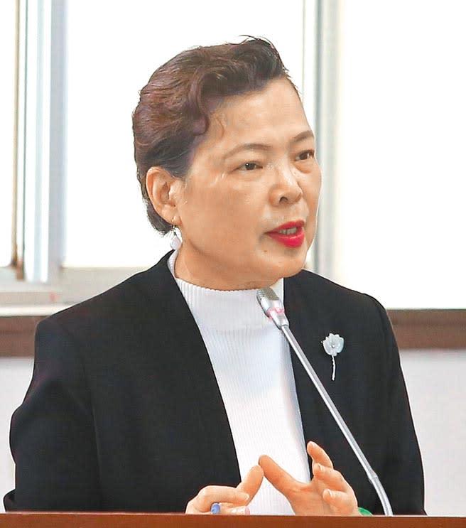 經濟部長王美花28日在立法院受訪表示,對於電力長期供應都會滾動式檢討,目前全台供電無虞,強調核三廠沒有延役的規畫。(王英豪攝)