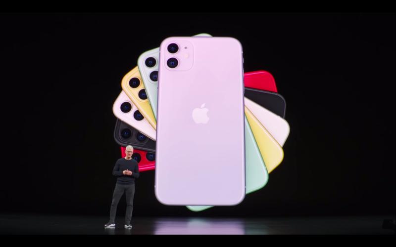 iPhone12消息滿天飛,外傳將全面採用OLED螢幕。圖為iPhone11。圖:擷取自Apple Youtube