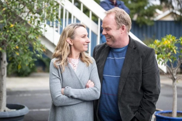 Lisa McCune and Peter Helliar's show, How To Stay Married, will return for season two on Channel Ten