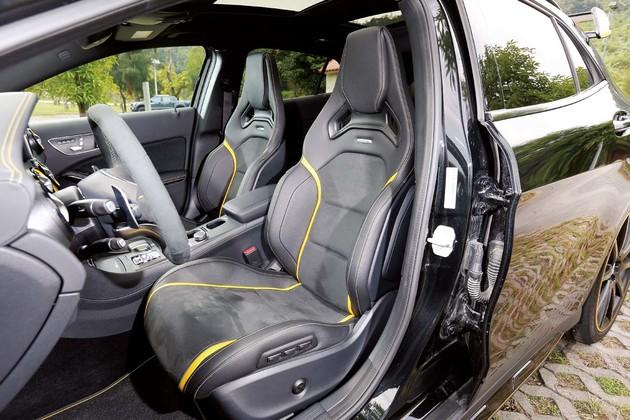 末路狂蜂Mercedes-AMG GLA 45 4MATIC Yellow Night Edition