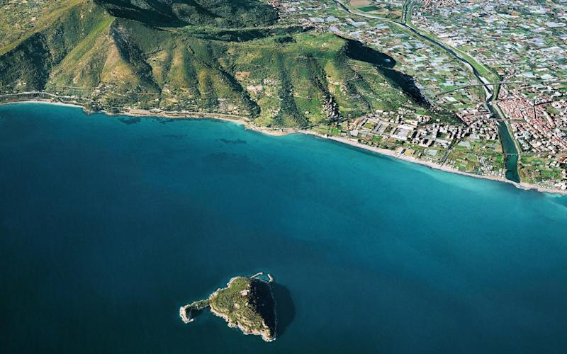 An aerial view of the island of Gallinara - Alamy
