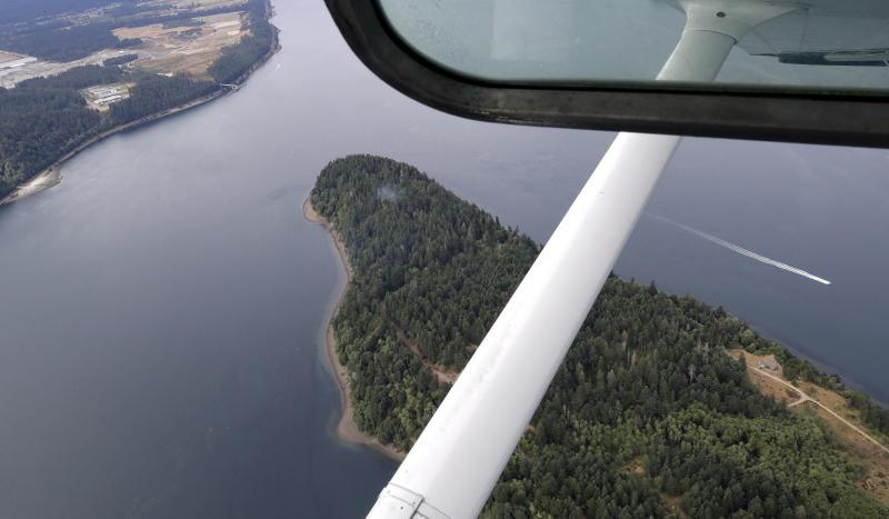 Investigation into stolen Seattle plane as pilot's last words revealed.