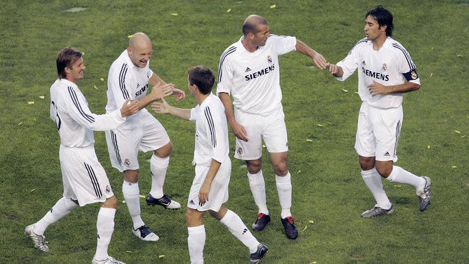 Kehadiran Beckham saat itu merupakan proyek Los Galaticos. Sebelum Beckham datang, Madrid sudah dihuni pemain-pemain top dunia seperti Luis Figo, Zinedine Zidane, Ronaldo, Raul Gonzalez. (AFP/Stephen Dunn)