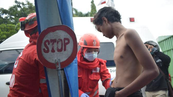 Lima pelajar terluka saat demo di Jalan Daan Mogot Tangerang (Pramita/Liputan6.com).