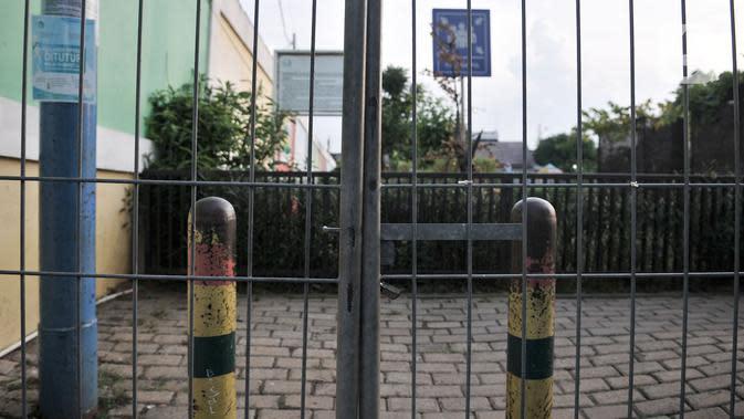 Suasana Ruang Publik Terpadu Ramah Anak (RPTRA) Utakara Beriman, Jakarta, Senin (8/6/2020). Sebelumnya Gubernur Anies Baswedan mengumumkan akan memebuka kembali RPTRA untuk umum saat masa PSBB Transisi. (merdeka.com/Iqbal S Nugroho)