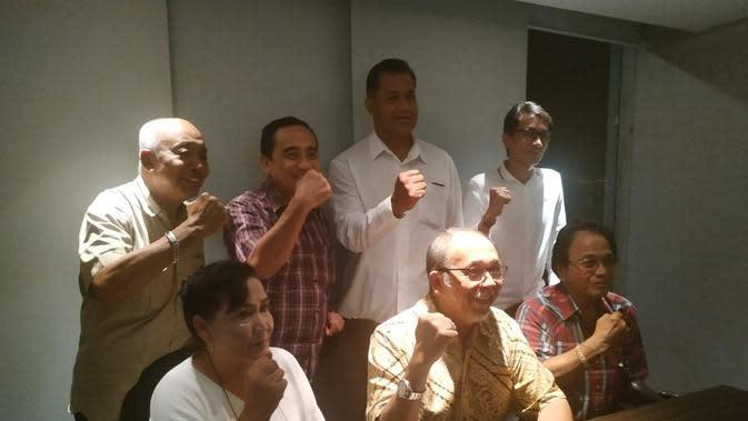 Tujuh anggota Tim Penjaringan dan Penyaringan (TPP) Ketum PP Pordasi usai mengumumkan hasil akhir (istimewa)