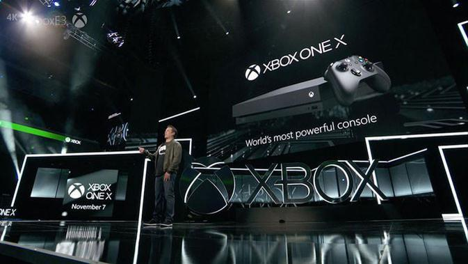 Phil Spencer ungkap Xbox One X di E3 2017. (Doc: Cnet)