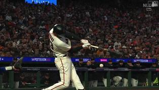小心球棒的逆襲 Kris Bryant敲安後斷棒直朝Justin Turner身上去【MLB球星精華】20211015