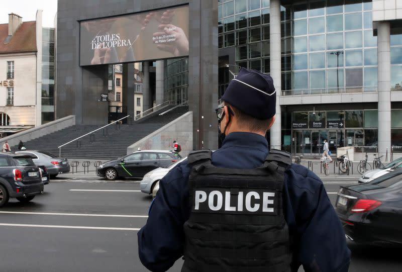 Five men arrested in Paris knife attack - judicial source