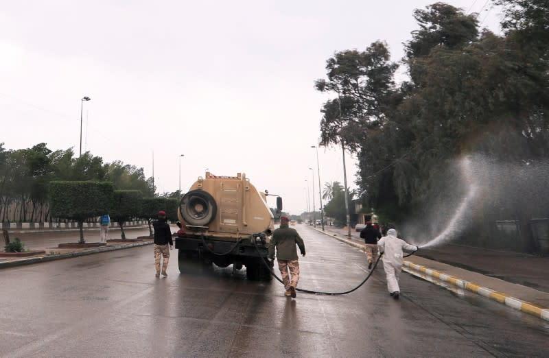 U.S. coalition suspends Iraq training over coronavirus