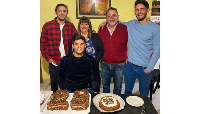 5 Potret Terbaru Gelandang Persik Kediri Gaspar Vega saat di Argentina, Berlatih Mandiri (sumber: Instagram.com/gasparvega7)