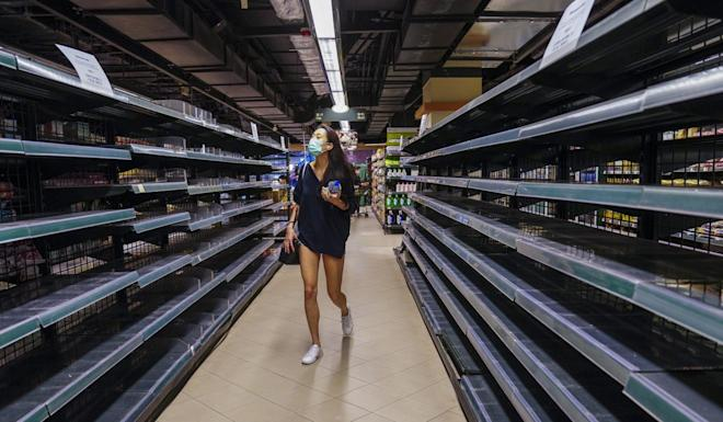 People are panic buying protective gear and essential commodities amid the coronavirus pandemic in Hong Kong. Photo: Sam Tsang