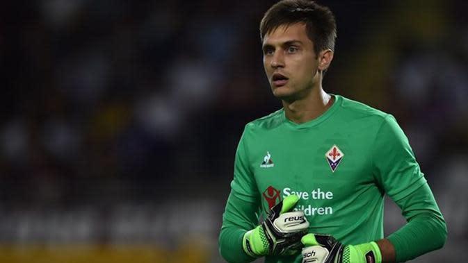 Video penyelamatan terbaik Ciprian Tatarusanu kiper Fiorentina dari tendangan pojok Striker Bologna.