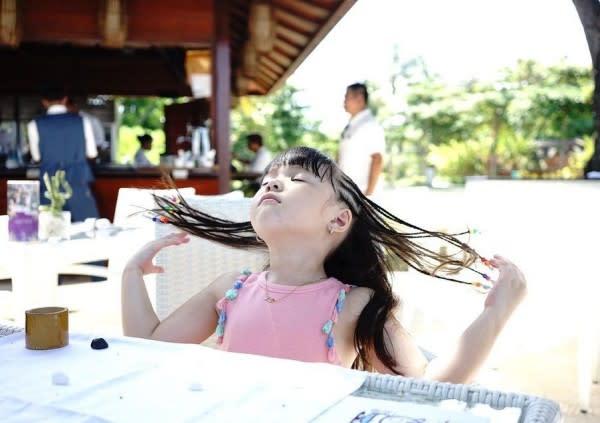 10 Gaya Centil nan Gemas Gempita Saat Liburan di Bali, Bak Model Deh!