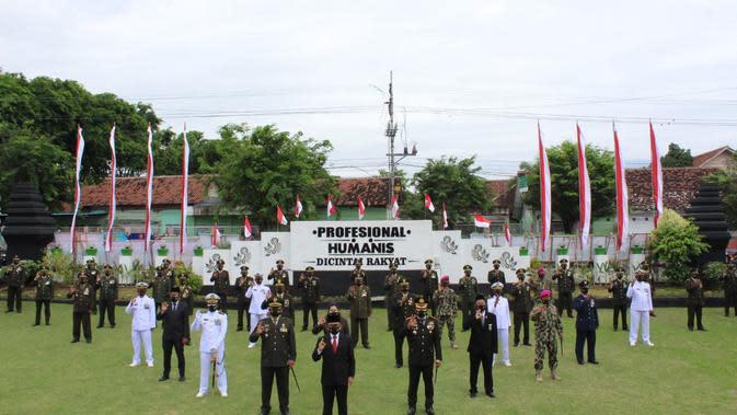 Tasyakuran HUT ke 75 TNI yang digelar di Makodim 0825 Banyuwangi, Senin (5/10/2020).