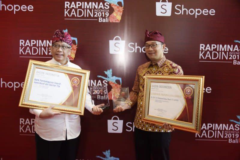 Ridwan Kamil terima Penghargaan Gubernur Terbaik Kadin Award 2019