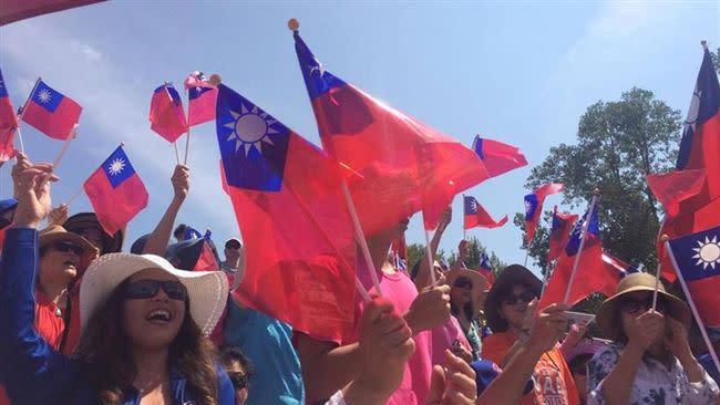 台灣民眾。(圖/翻攝自駐美國台北經濟文化代表處臉書)