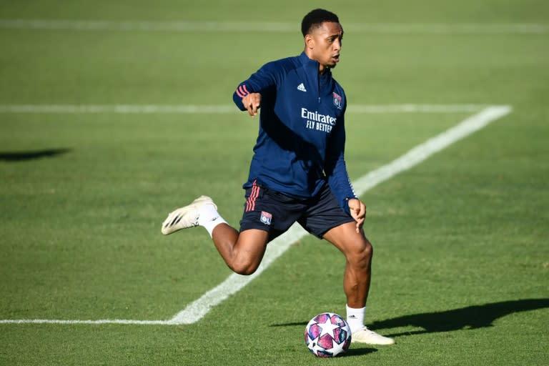 Fulham sign Lyon defender Tete