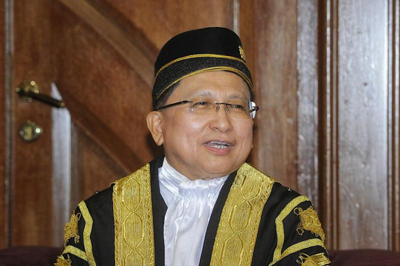 Tan Sri Richard Malanjum says law graduates may end up in the unemployment queue if law schools failed to prepare their students for the industry and newly admitted lawyers not being proactive. — Picture by Shafwan Zaidon