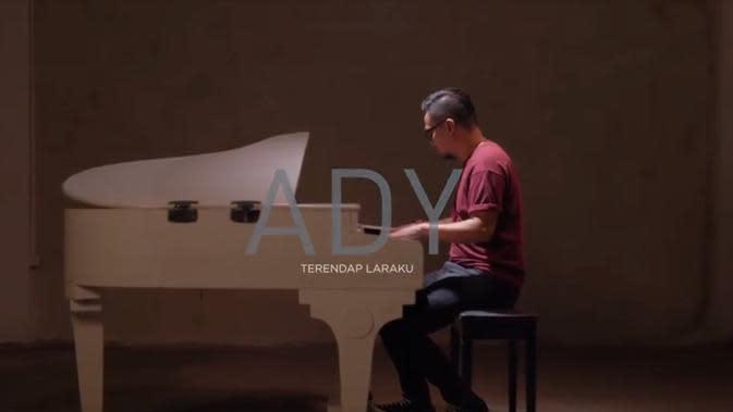 Official Music Video Ady Eks Naff Berjudul Terendap Laraku