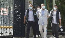 黎智英父子、壹傳媒高層多人被上銬帶走!港府指控黎智英「勾結外國勢力」,最重恐判終身監禁