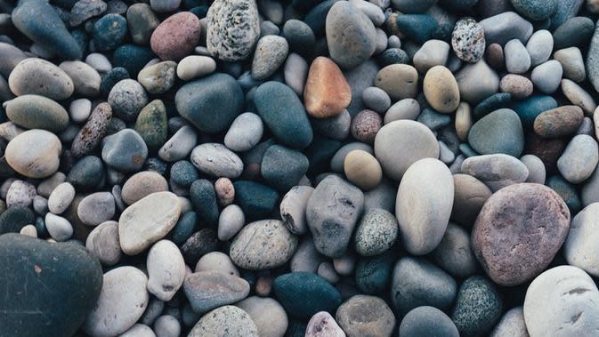 Ilustrasi Gambar Batu (sumber: unspash)