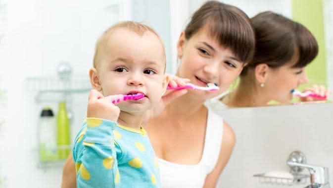 Baca Ini Sebelum Memberikan Pasta Gigi Fluoride pada Anak