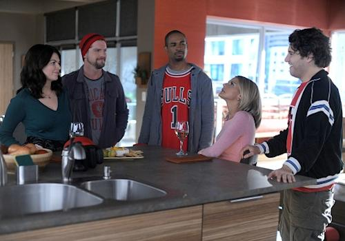 'Happy Endings': Friday Night's Alright for Laughing (We Hope)