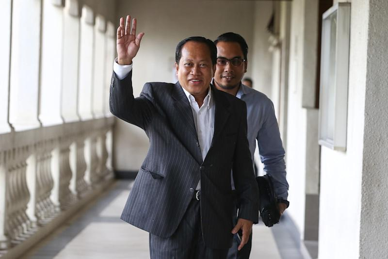 Datuk Seri Ahmad Maslan stressed that it was not possible for him to be working with Lim through the pact, as they have two very differing opinions. — Picture by Yusof Mat Isa