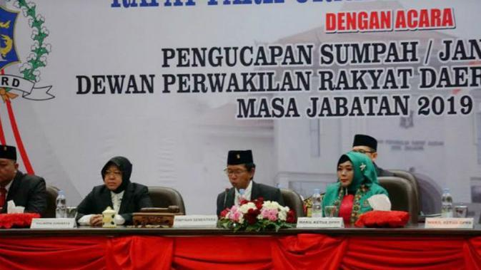 Ketua DPC PDI Perjuangan (PDIP) Surabaya, Adi Sutarwijono ditetapkan sebagai Ketua Sementara DPRD Kota Surabaya. (Foto: Liputan6.com/Dian Kurniawan)