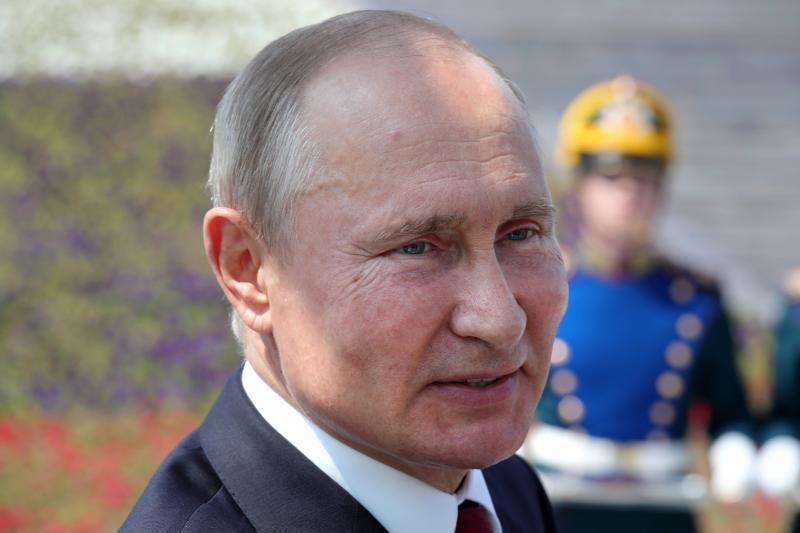Putin isyaratkan dirinya kunci pendudukan bandara Kosovo
