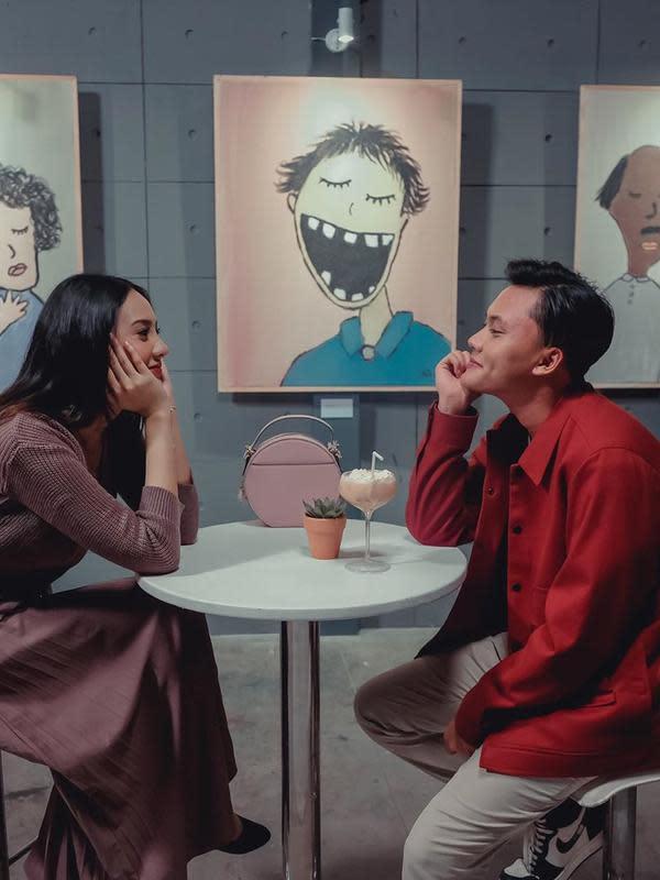 "Rizky Febian yang ditemui di kawasan Jakarta Selatan, menyebutkan Kerjasama bareng Anya Geraldine adalah pencapaian luar biasa baginya. ""Penantian yang luar biasa,"" ungkap Rizky Febian. (Instagram/3wisnu)"