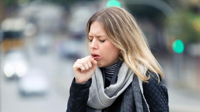 ilustrasi batuk (sumber: iStock)