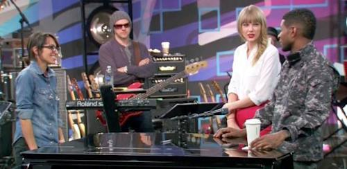 Michelle Chamuel, Taylor Swift and Usher on 'The Voice' -- NBC