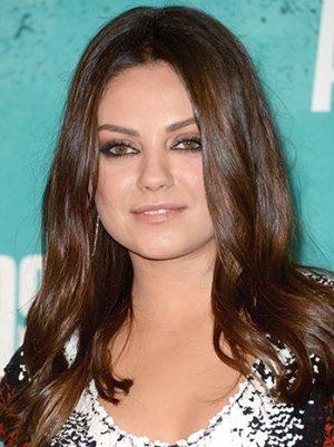 Mila Kunis' welcomed distraction: drooling British fan/reporter