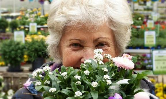 105歲人瑞打敗新冠肺炎 家人:擋她路的事,都會被她打敗