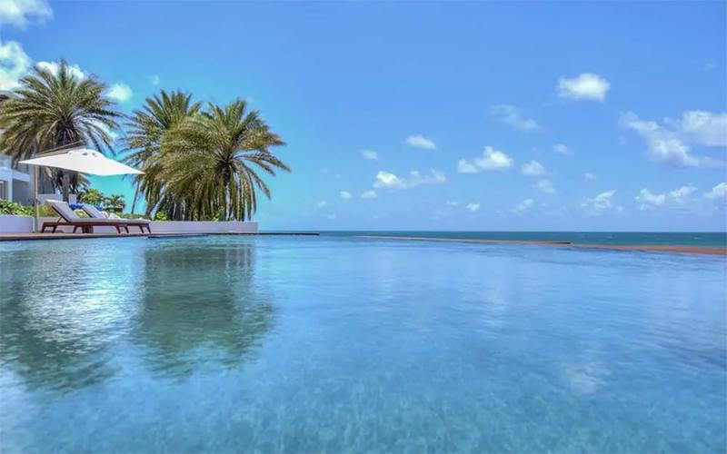 Hodges Bay, Antigua