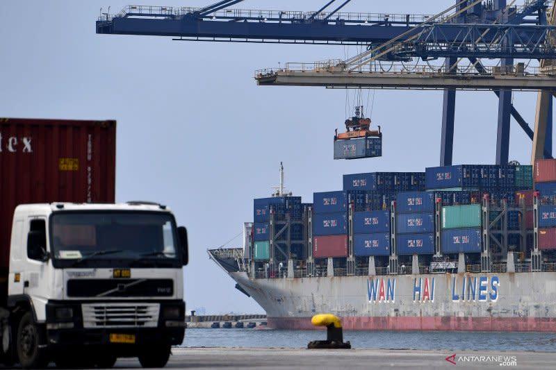 Presiden ingin pengembangan pelabuhan utama saling melengkapi