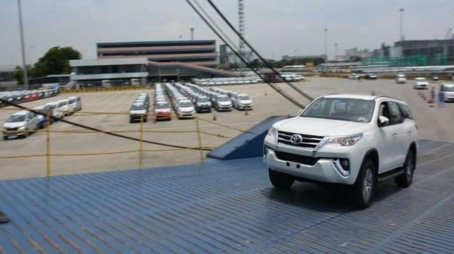 Toyota Fortuner versi ekspor