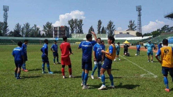 Staf Pelatih Persib Gerak Cepat Sambut Lanjutnya Liga 1