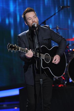 """David Cook Returns With New Single, """"Laying Me Low"""""""