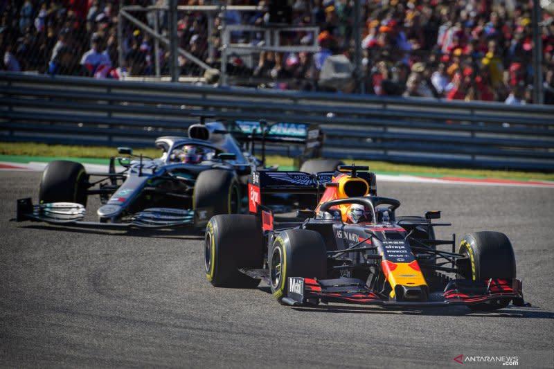 Verstappen dibuat bosan oleh Hamilton