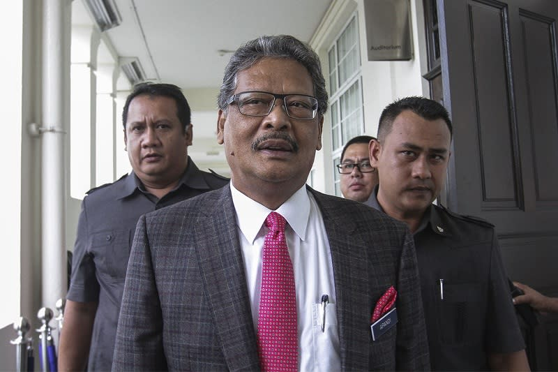 In July 2019, Mohamed Apandi filed the defamation suit against Lim over an article alleging he had abetted in the 1Malaysia Development Berhad (1MDB) scandal. — Picture by Yusof Mat Isa