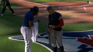 藍鳥重砲相見歡 Josh Donaldson與Vladimir Guerrero Jr.賽後交換球衣【珍奇場面】20210920