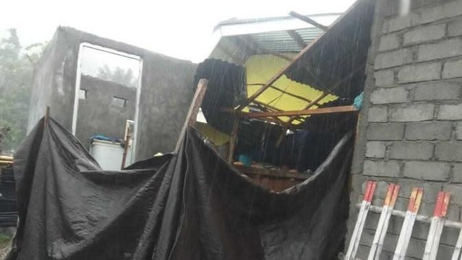 Puting Beliung Menerjang Gorontalo Utara, Belasan Rumah Porak-poranda